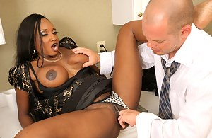 MILF Reverse Interracial Porn Pictures