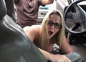 MILF Screaming Porn Pictures